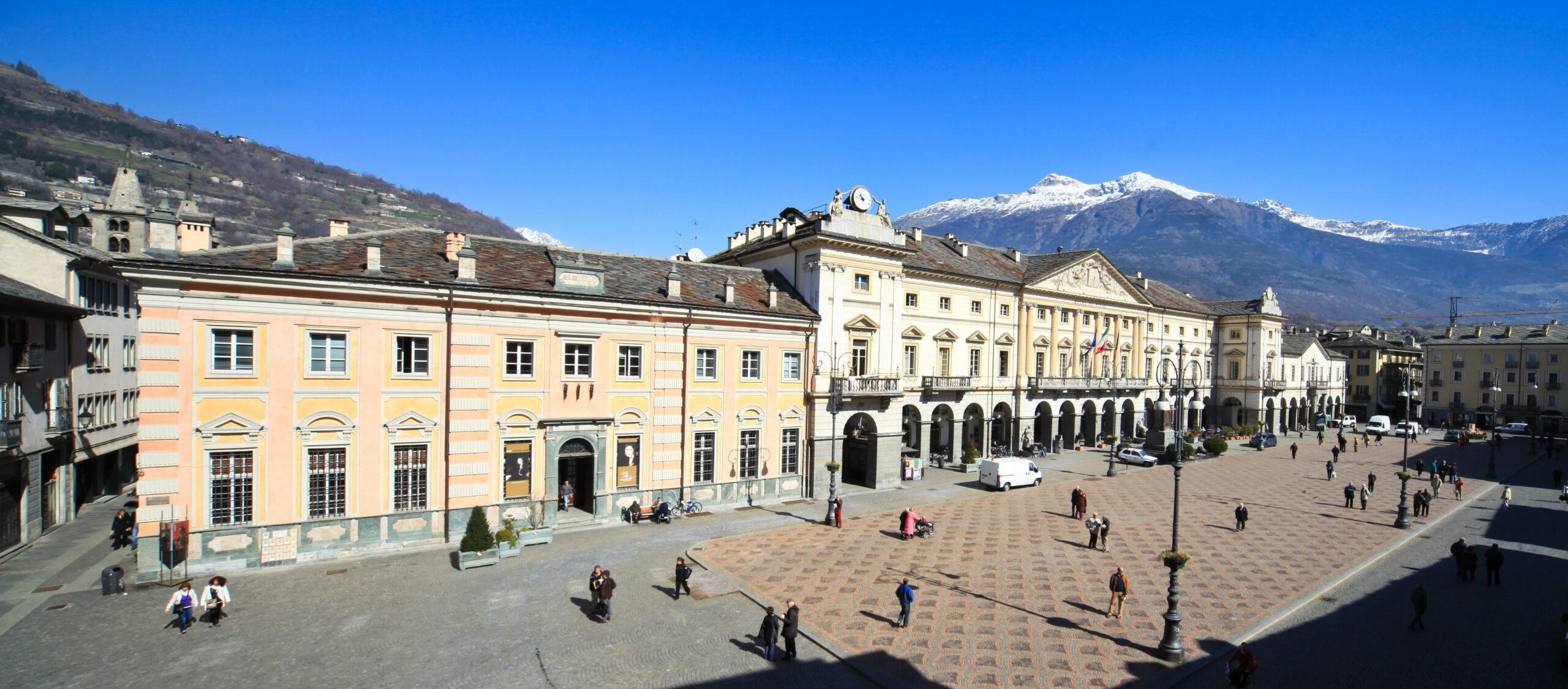 VALLE D'AOSTA-Aosta Piazza Chanoux (foto Enrico Romanzi)-1550 - Aigo
